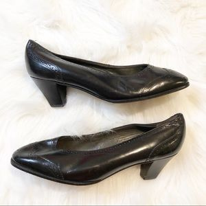Bally of Switzerland black low slim block heels5.5